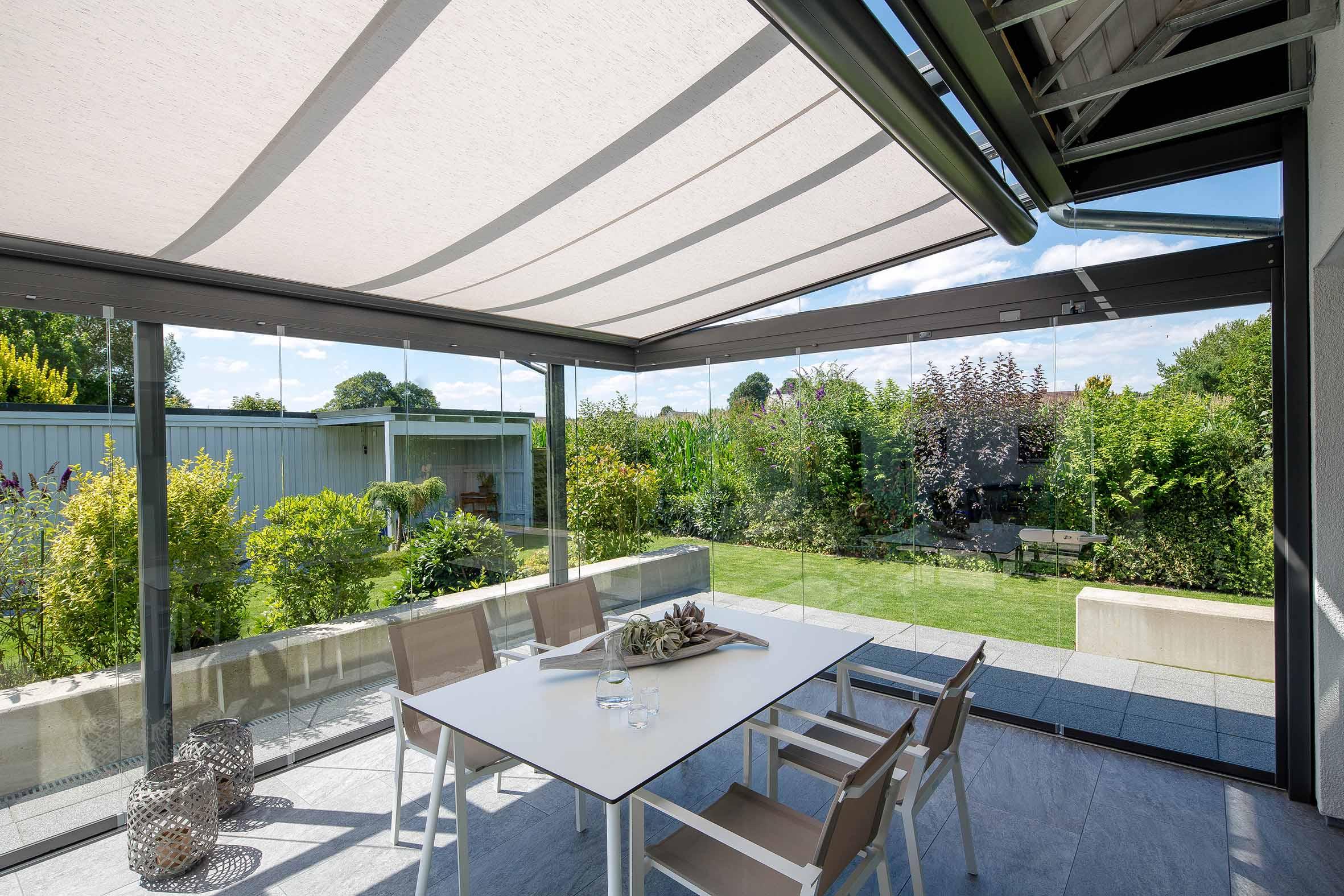 Sonnenschutz auf Glasdach